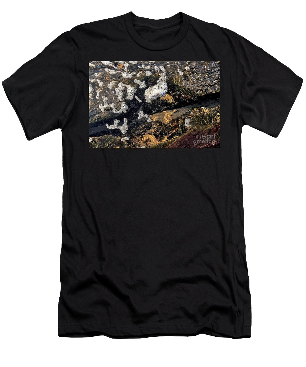 Photography Men's T-Shirt (Athletic Fit) featuring the photograph Bubbles Afloat by Kaye Menner