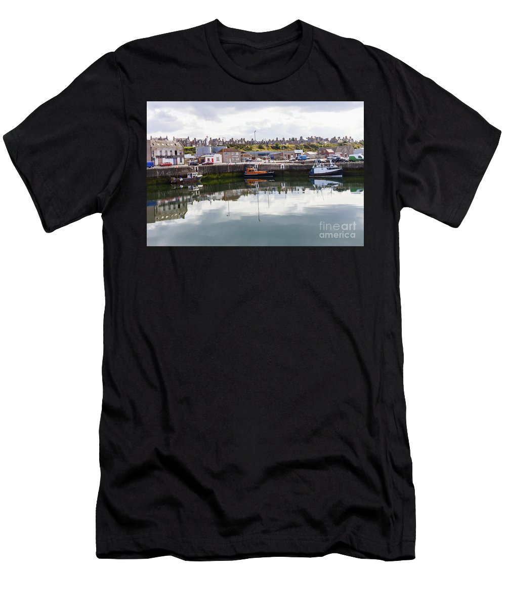 Buckie Men's T-Shirt (Athletic Fit) featuring the photograph Buckie Harbour by Diane Macdonald
