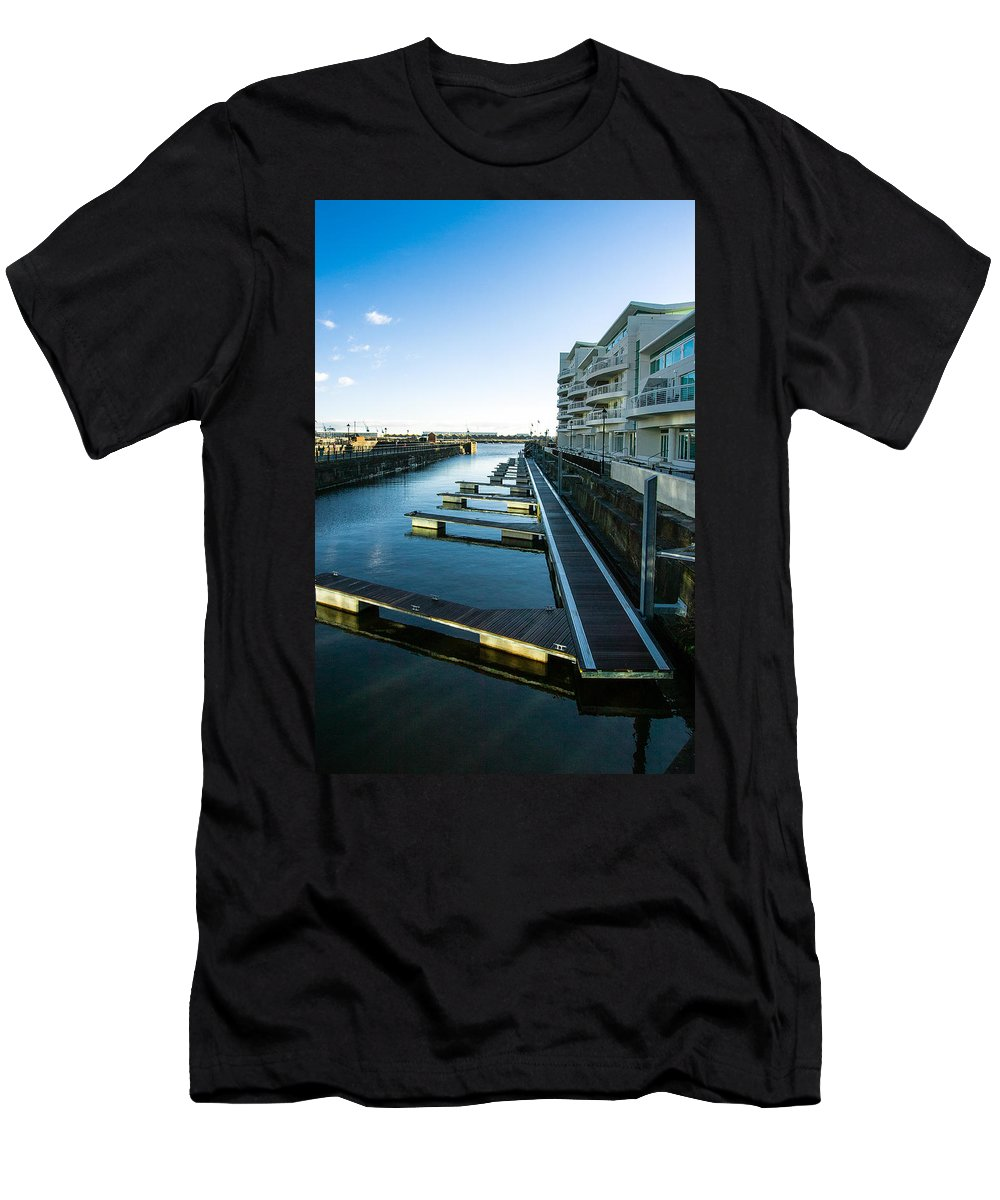 Apartments Men's T-Shirt (Athletic Fit) featuring the photograph Cardiff Bay Pontoons by Mark Llewellyn