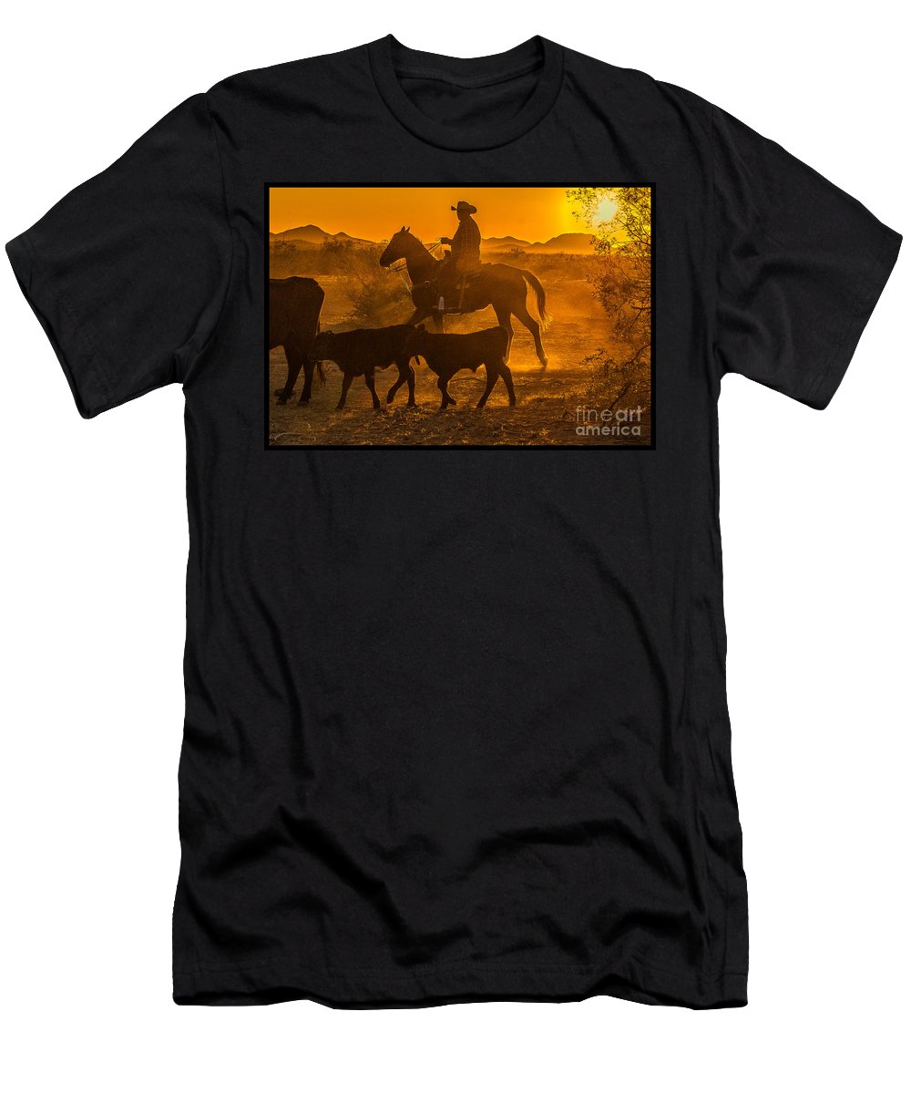 Cattle Men's T-Shirt (Athletic Fit) featuring the photograph Cattle Drive 13 by Larry White