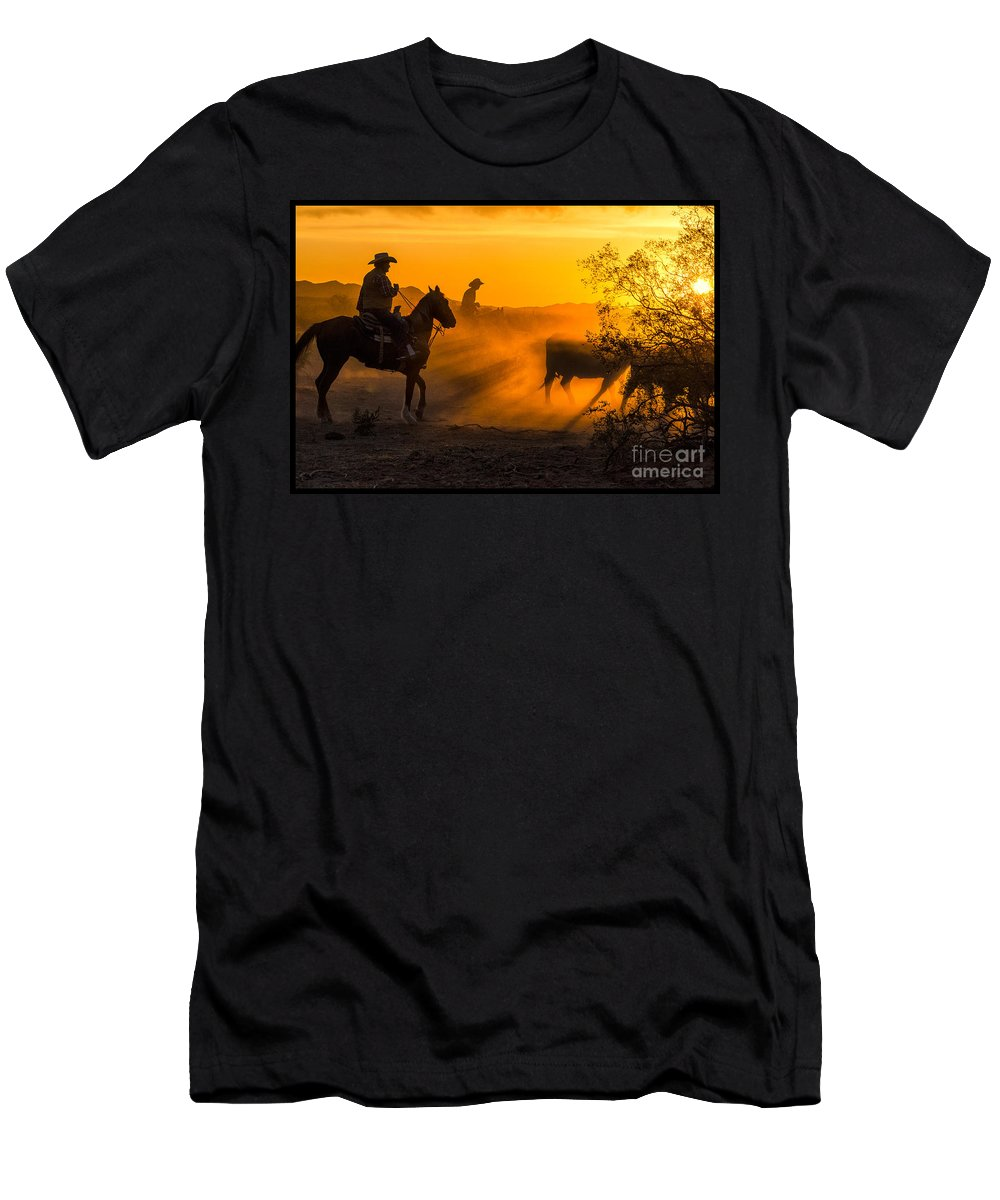 Cattle Men's T-Shirt (Athletic Fit) featuring the photograph Cattle Drive 14 by Larry White