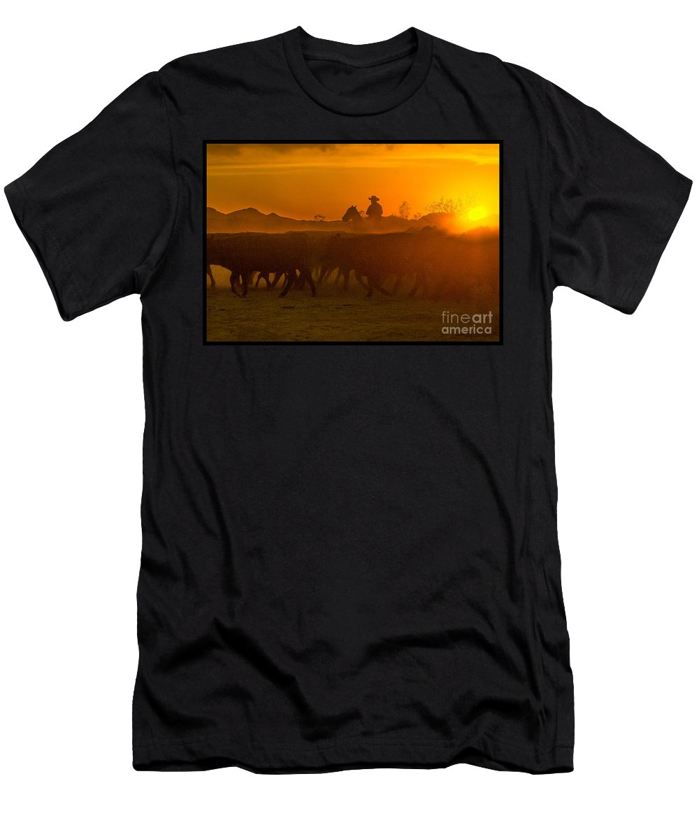 Cattle Men's T-Shirt (Athletic Fit) featuring the photograph Cattle Drive 20 by Larry White