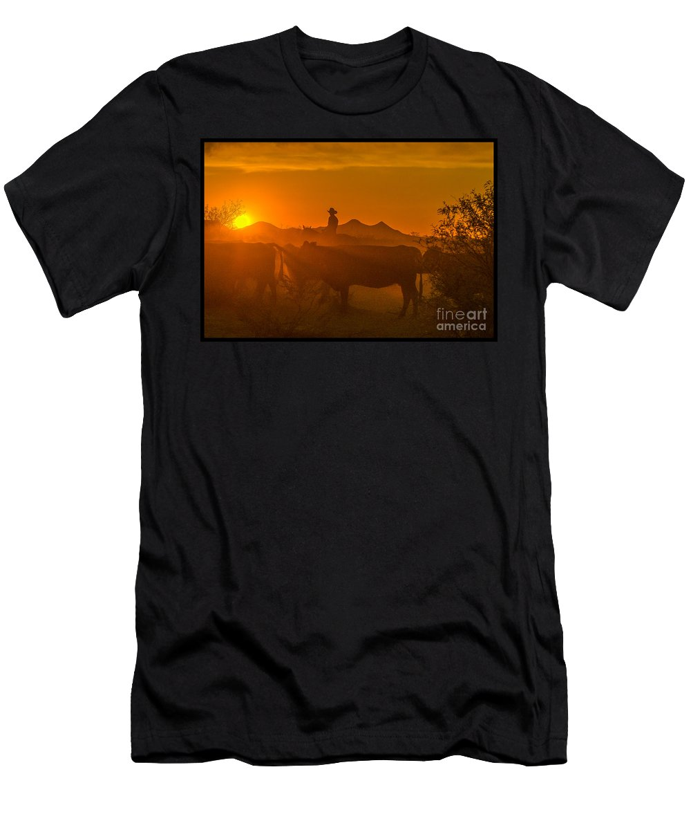 Cattle Men's T-Shirt (Athletic Fit) featuring the photograph Cattle Drive 21 by Larry White
