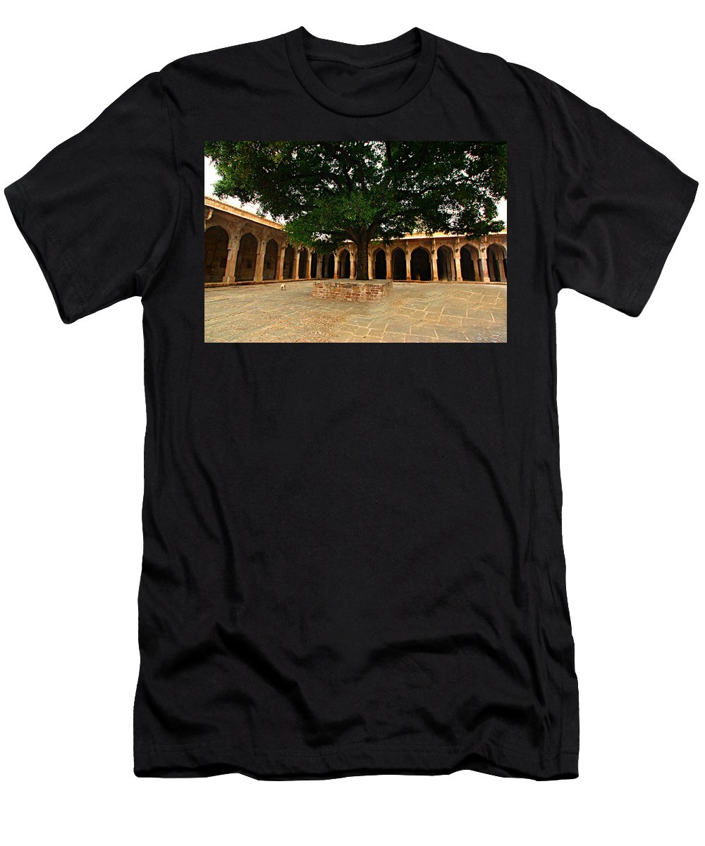 Market Men's T-Shirt (Athletic Fit) featuring the photograph Chanderi India by Amanda Stadther