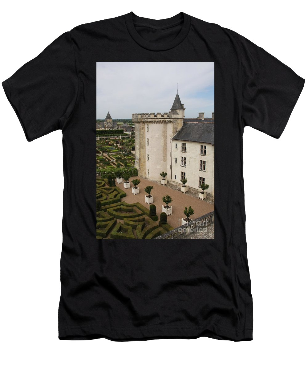 Palace Men's T-Shirt (Athletic Fit) featuring the photograph Chateau And Garden - Villandry by Christiane Schulze Art And Photography