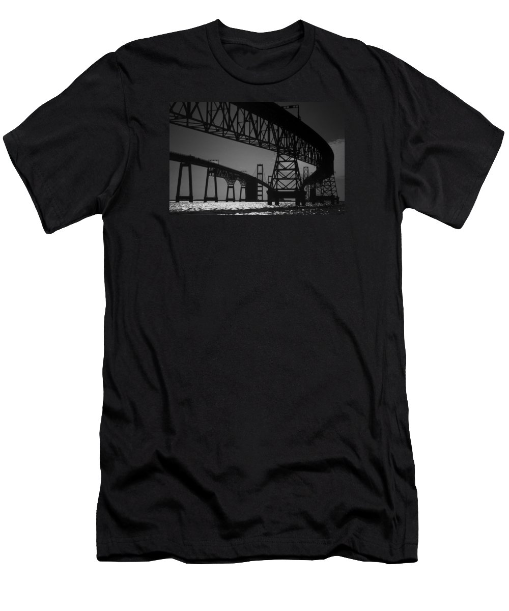 Md Men's T-Shirt (Athletic Fit) featuring the photograph Chesapeake Bay Bridge At Annapolis by Skip Willits
