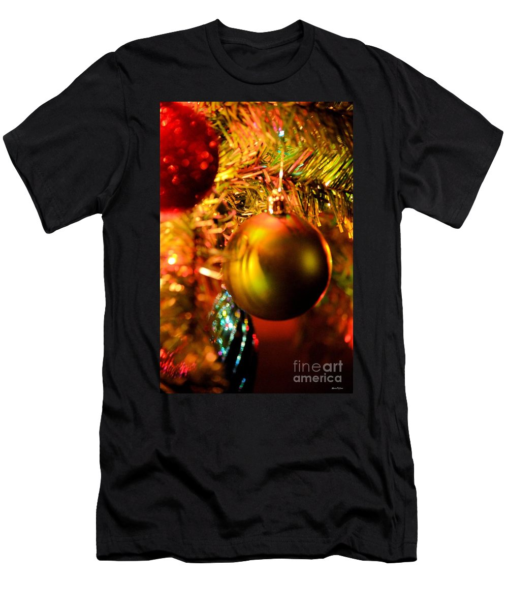 Christmas Time Men's T-Shirt (Athletic Fit) featuring the photograph Christmas Time by Maria Urso