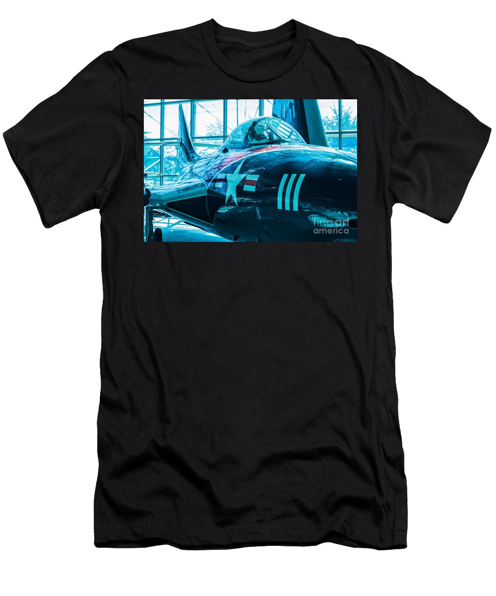 Aircraft Men's T-Shirt (Athletic Fit) featuring the photograph Close Call by Rich Priest