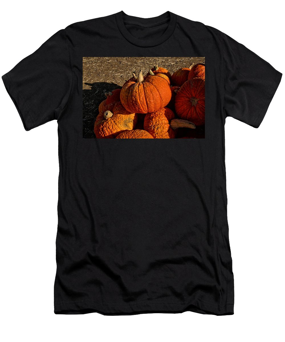 Fall Men's T-Shirt (Athletic Fit) featuring the photograph Knarly Pumpkin by Michael Gordon