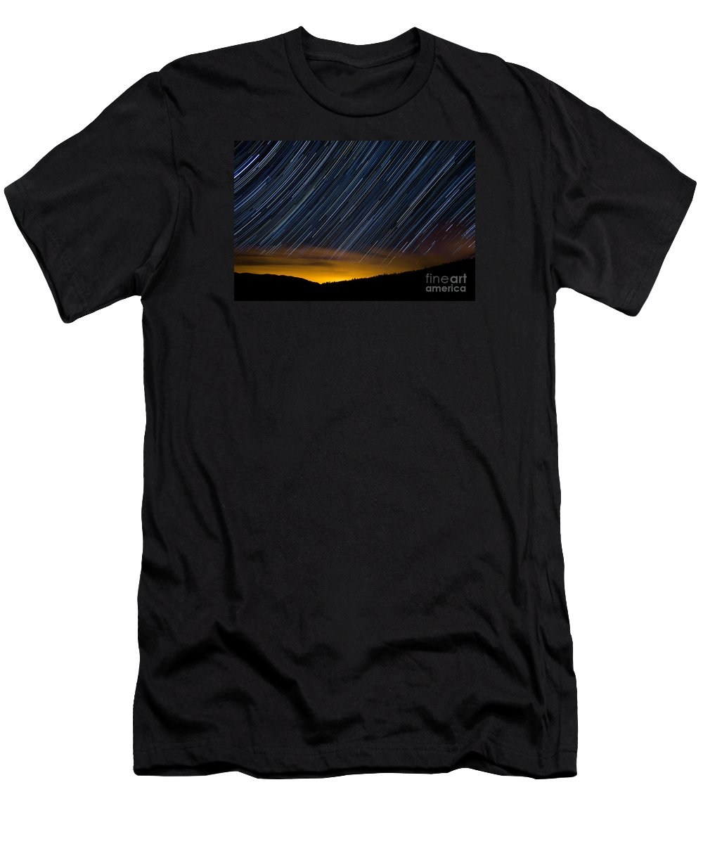 Surprise Trailhead Men's T-Shirt (Athletic Fit) featuring the photograph East Towards Denver by Benjamin Reed