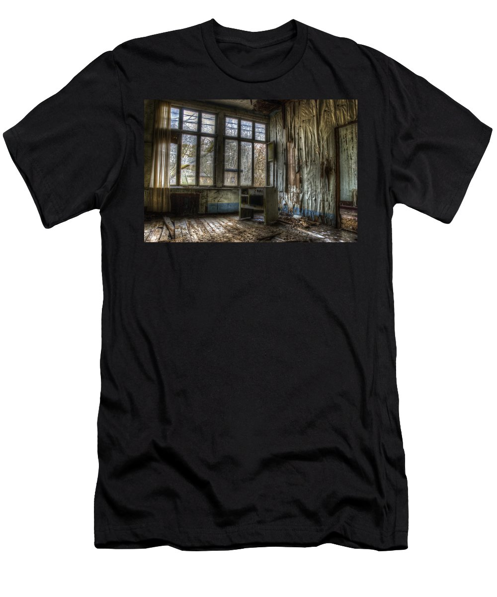 Beelitz Men's T-Shirt (Athletic Fit) featuring the digital art Cooking On Gas by Nathan Wright