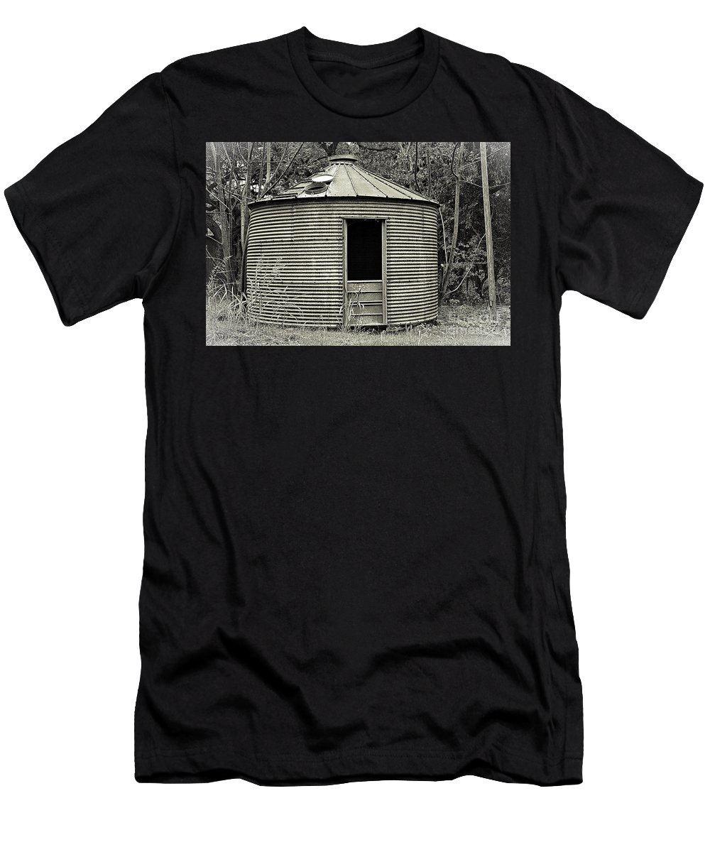 Corn Crib Men's T-Shirt (Athletic Fit) featuring the photograph Corn Crib In Monochrome by Gary Richards