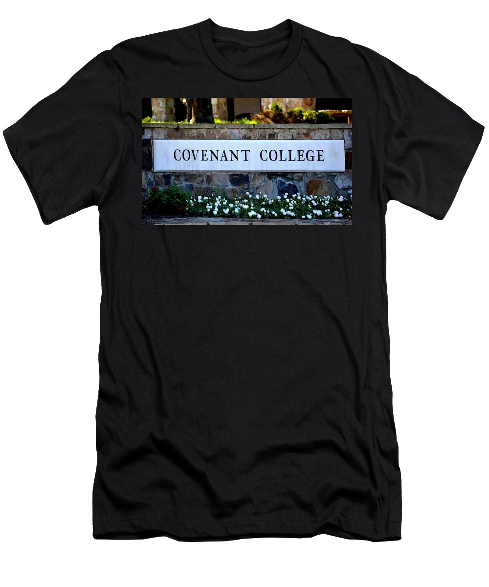 Covenant College Men's T-Shirt (Athletic Fit) featuring the photograph Covenant College Sign by Tara Potts