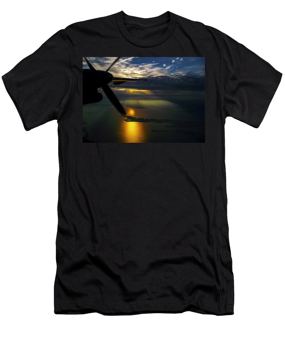 Sunset Men's T-Shirt (Athletic Fit) featuring the photograph Dash Of Sunset by Greg Reed