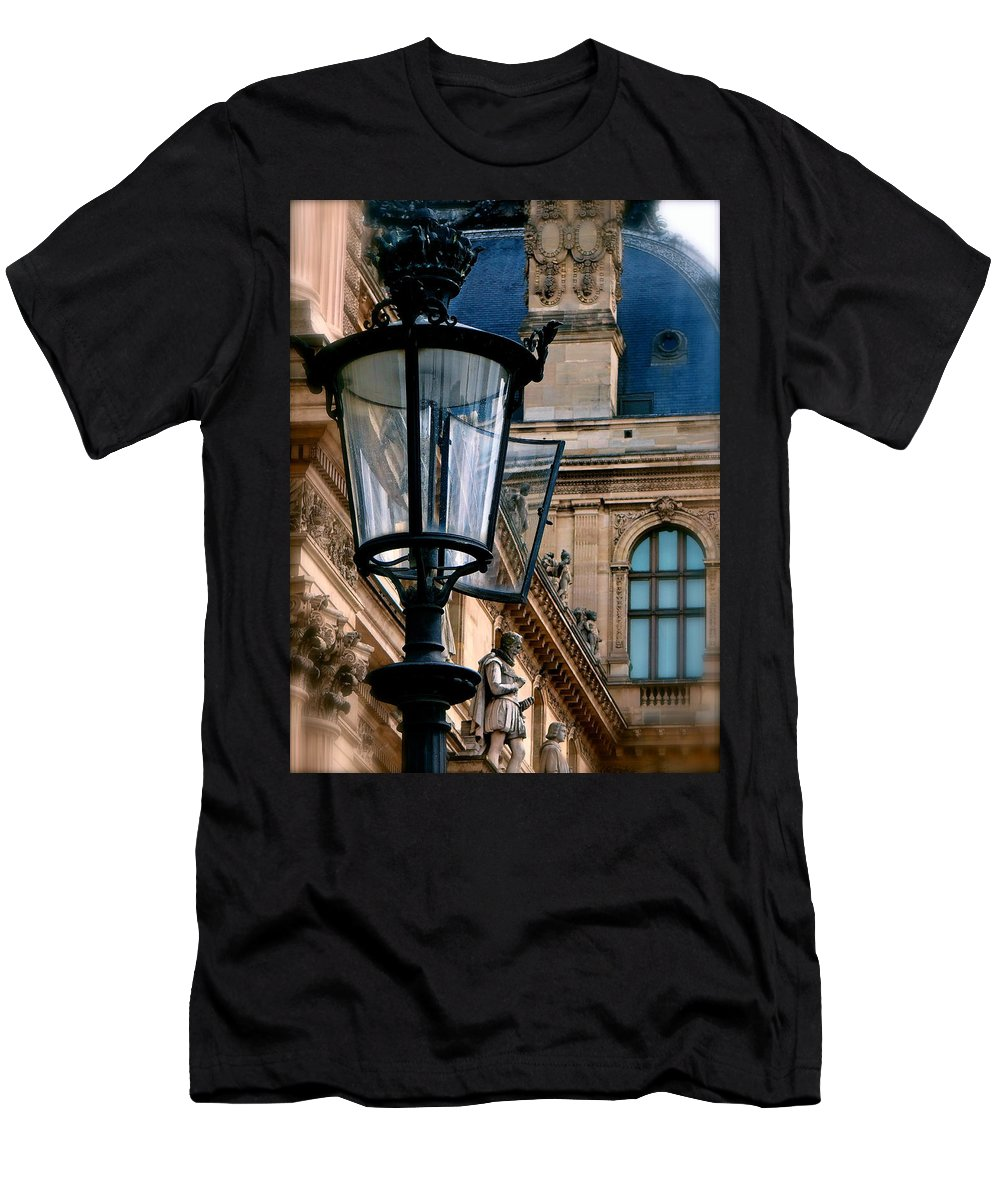 Louvre Museum Men's T-Shirt (Athletic Fit) featuring the photograph Dawn At The Louvre by Ira Shander