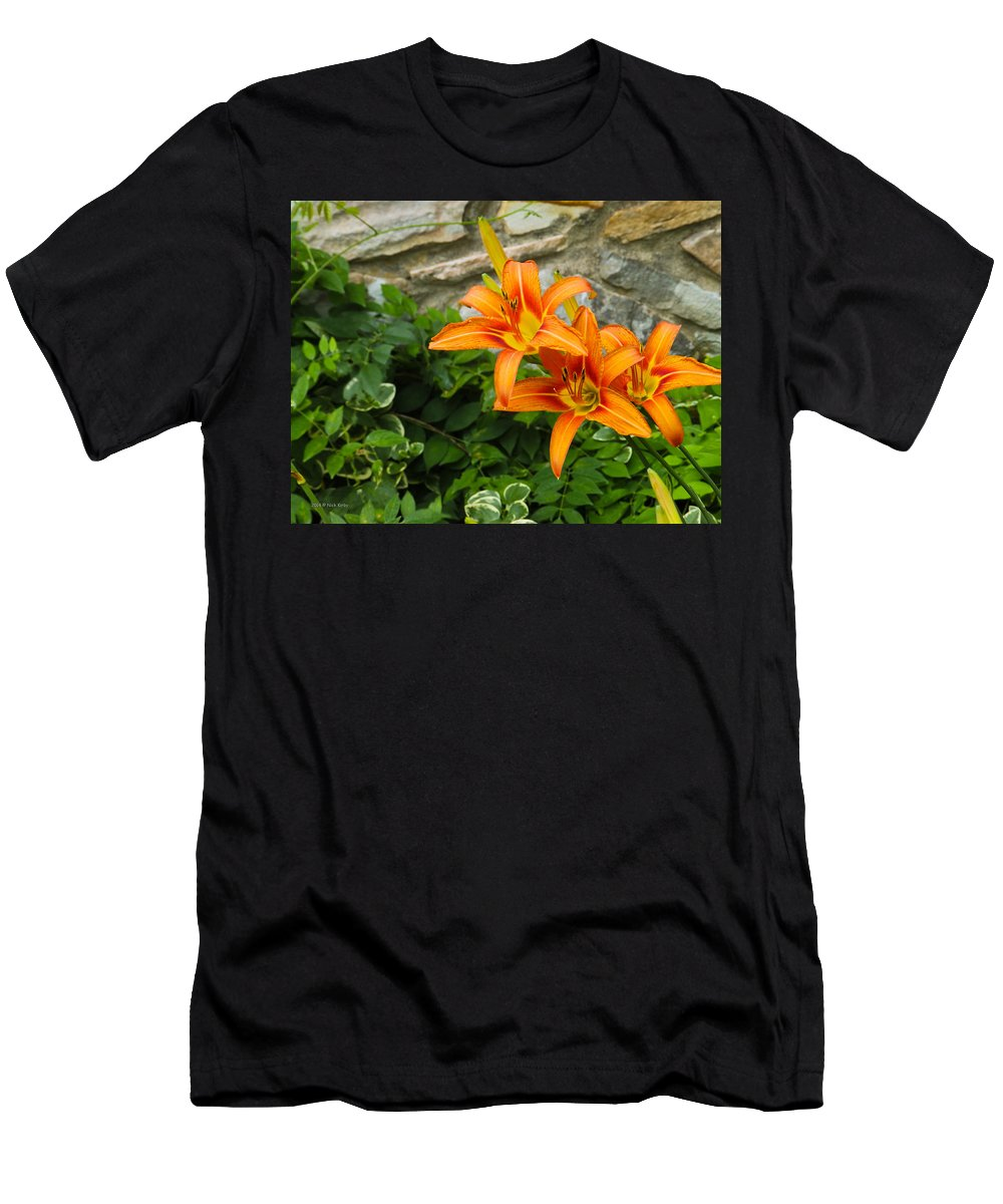 Lilly Men's T-Shirt (Athletic Fit) featuring the photograph Day Lilly by Nick Kirby