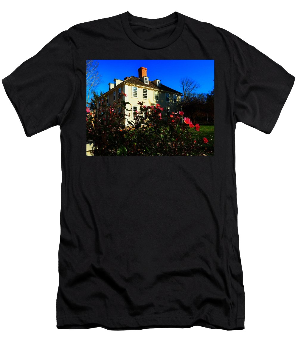 Houses Men's T-Shirt (Athletic Fit) featuring the photograph Deerfield House 1 by Mark Ball
