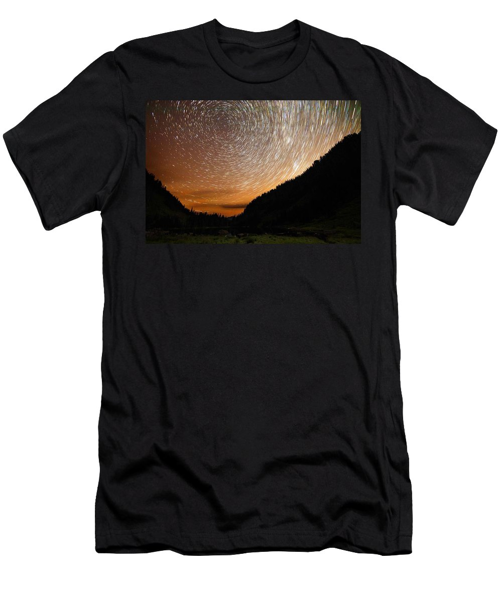 Landscape Men's T-Shirt (Athletic Fit) featuring the photograph Dew by Ryan McGinnis