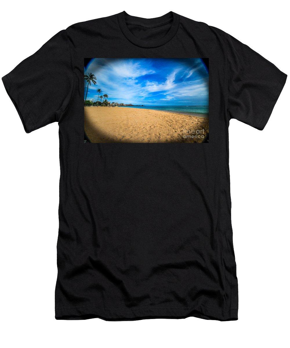 Hawaii Men's T-Shirt (Athletic Fit) featuring the photograph Diamond Head Beauty by Linda Arnado