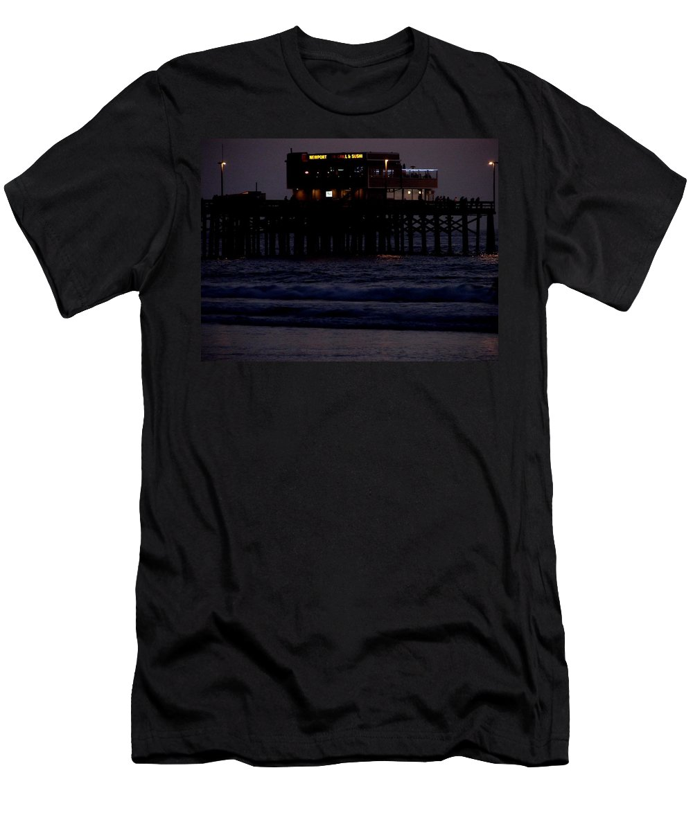 Santa Monica Pier Men's T-Shirt (Athletic Fit) featuring the photograph Dinner At The Pier by Keisha Marshall