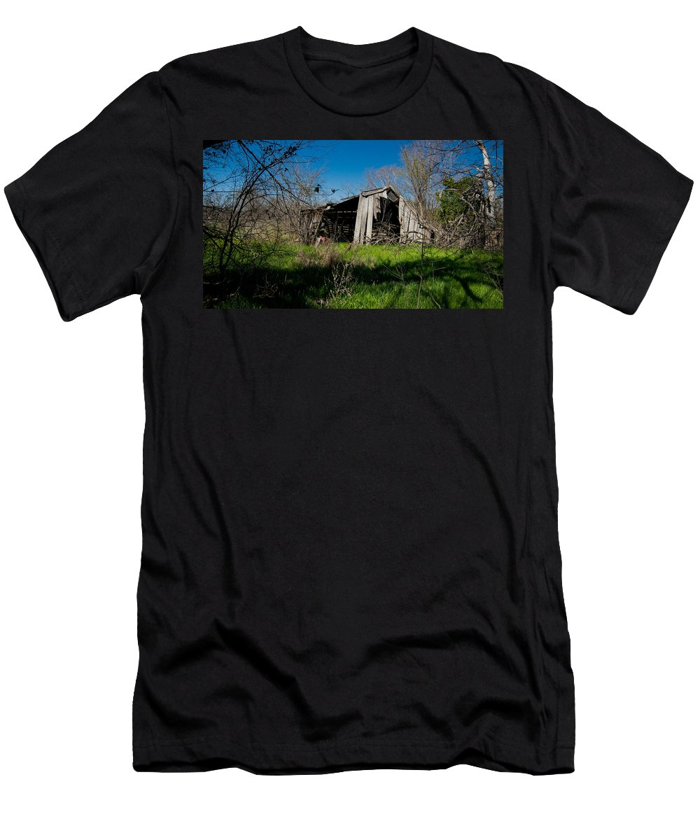 Vanishing Texas Men's T-Shirt (Athletic Fit) featuring the photograph Disintegrating Barn Streetman Texas by Trace Ready