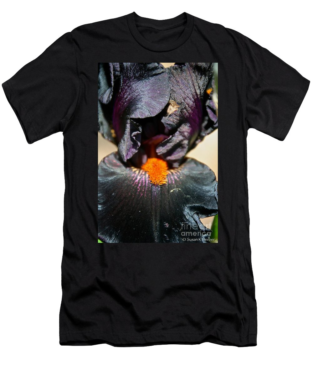 Flower Men's T-Shirt (Athletic Fit) featuring the photograph Ebony Iris by Susan Herber