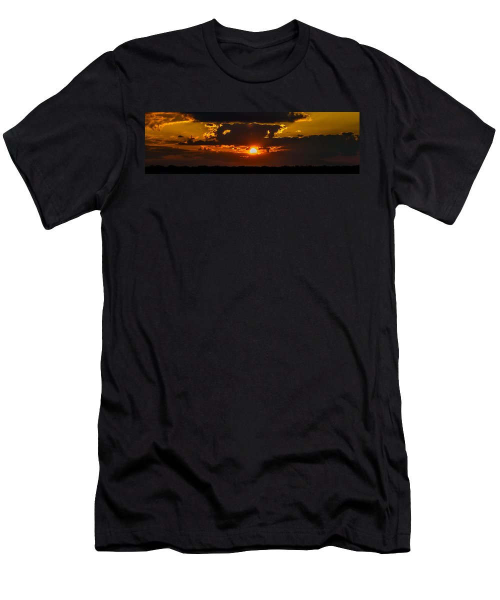 Sunset Men's T-Shirt (Athletic Fit) featuring the photograph Epic by Tyson Kinnison