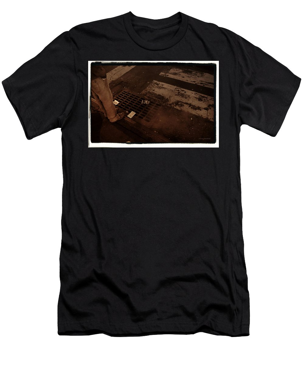 New York Men's T-Shirt (Athletic Fit) featuring the photograph Escape From New York by Donna Blackhall
