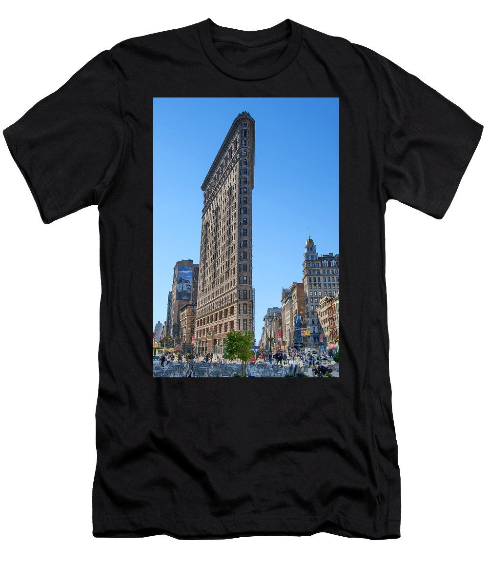 New York Men's T-Shirt (Athletic Fit) featuring the photograph Flat Iron Building by Claudia Kuhn