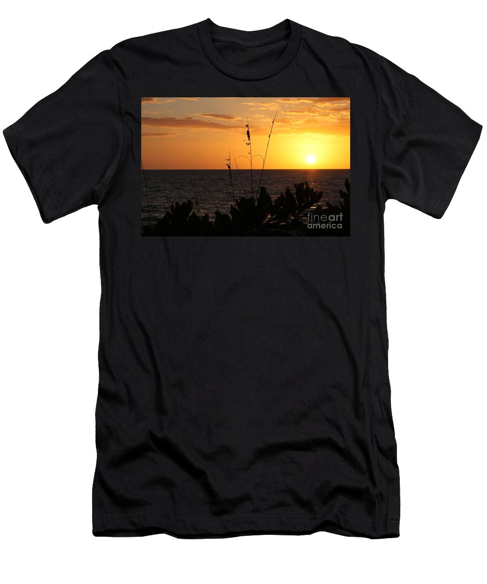 Sundown Men's T-Shirt (Athletic Fit) featuring the photograph Florida Delight by Christiane Schulze Art And Photography