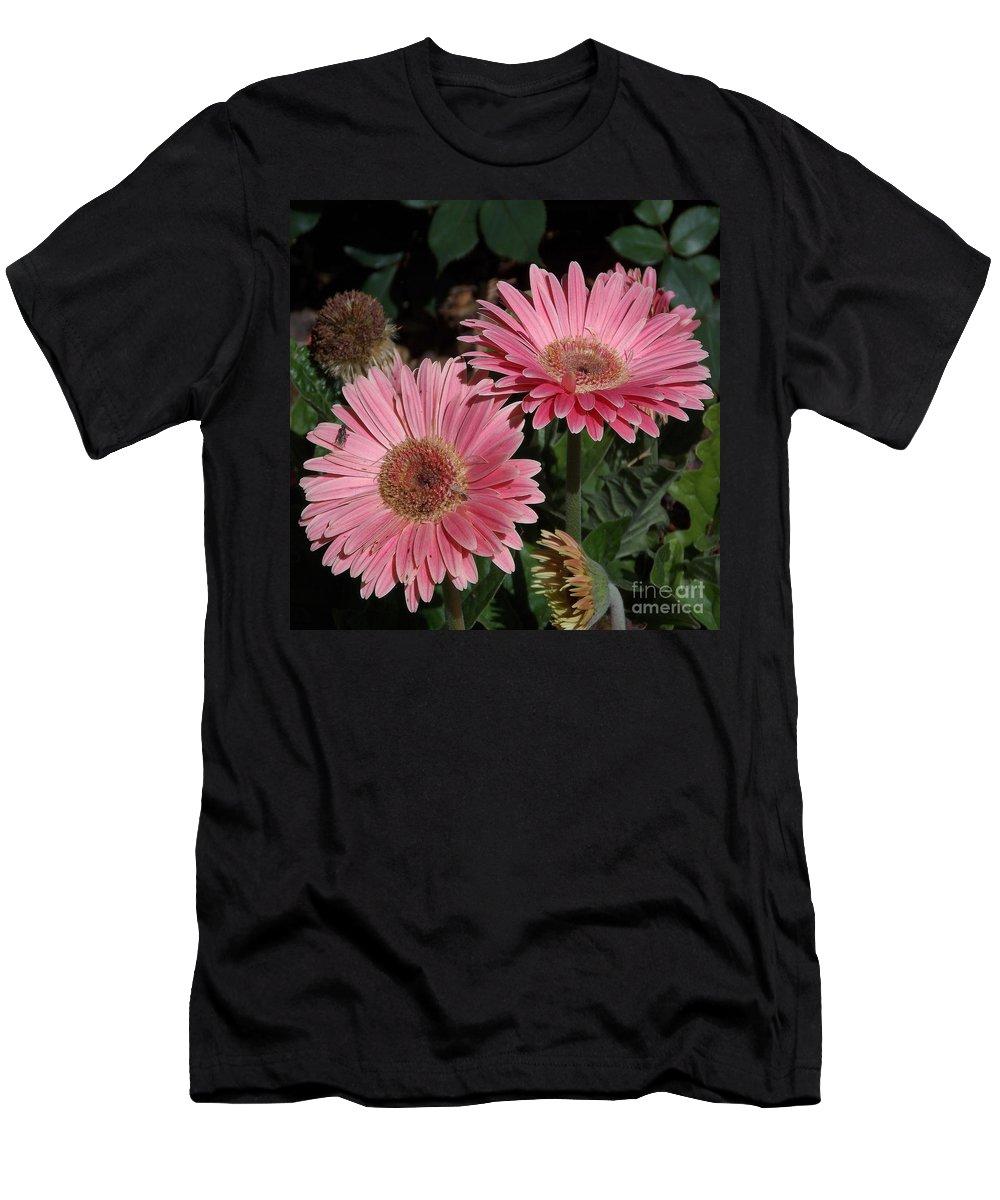 Pictures Of Flowers Men's T-Shirt (Athletic Fit) featuring the photograph Flower Duvet Cover by Skip Willits