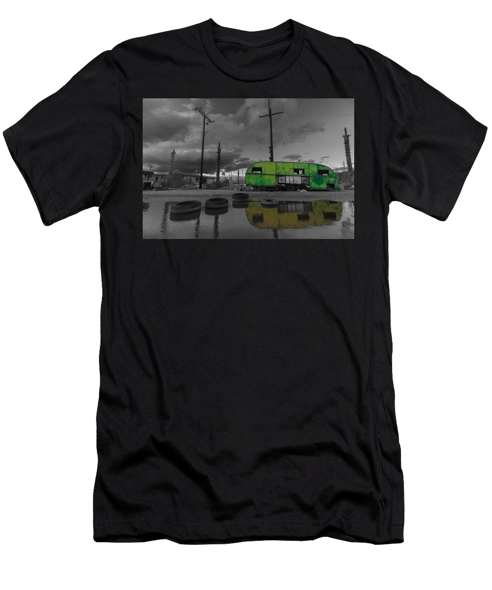 Airstream Men's T-Shirt (Athletic Fit) featuring the photograph Front Yard Path Black And White by Scott Campbell
