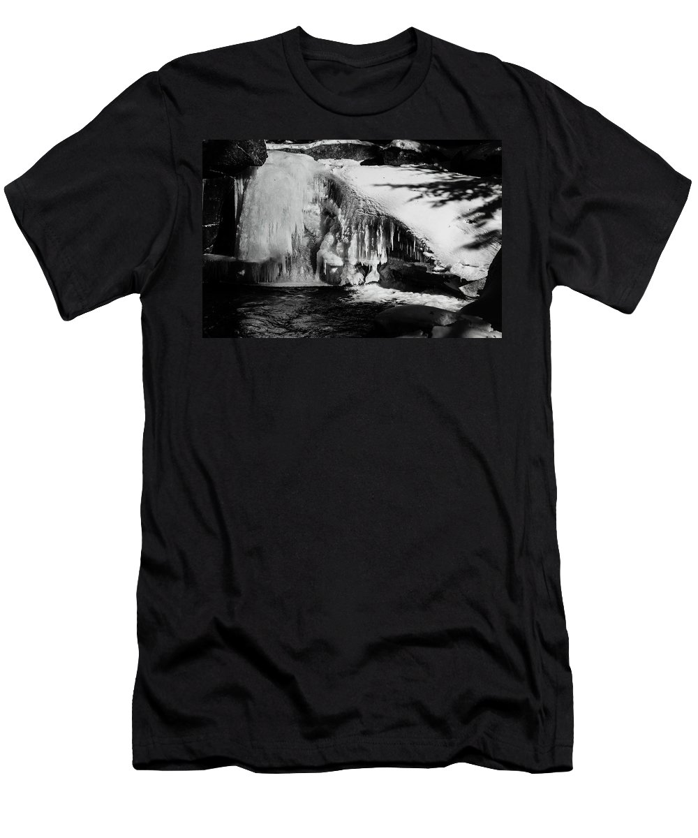 Franconia Notch Men's T-Shirt (Athletic Fit) featuring the photograph Frozen Basin by Susan Capuano