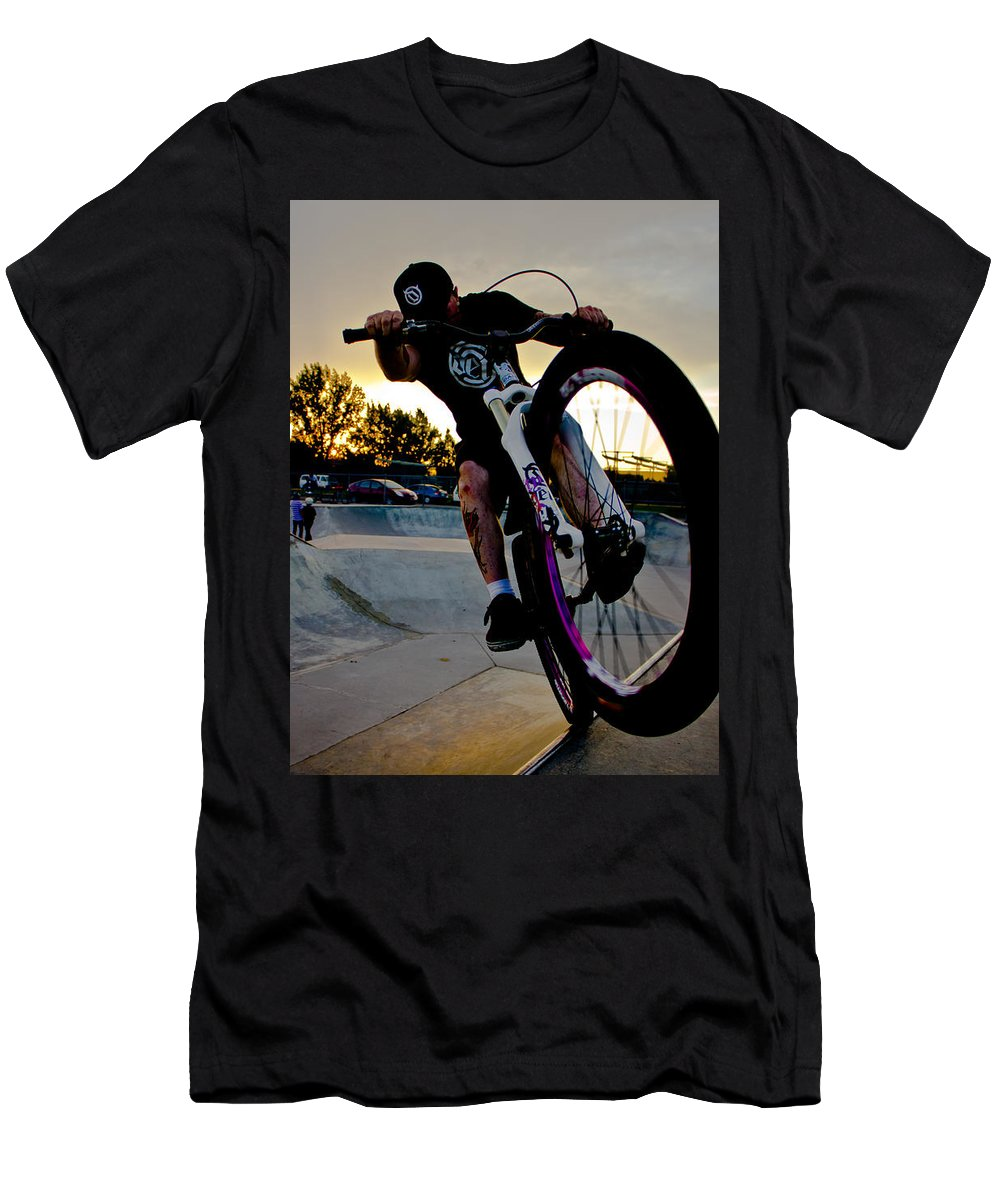 26 Men's T-Shirt (Athletic Fit) featuring the photograph Fumanchue by Joel Loftus