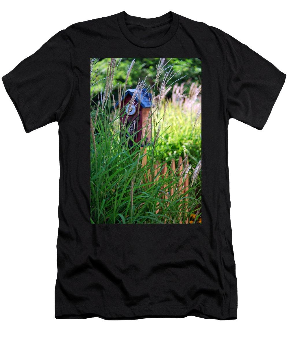 Garden Men's T-Shirt (Athletic Fit) featuring the photograph Garden Birdhouse by Melissa Smith