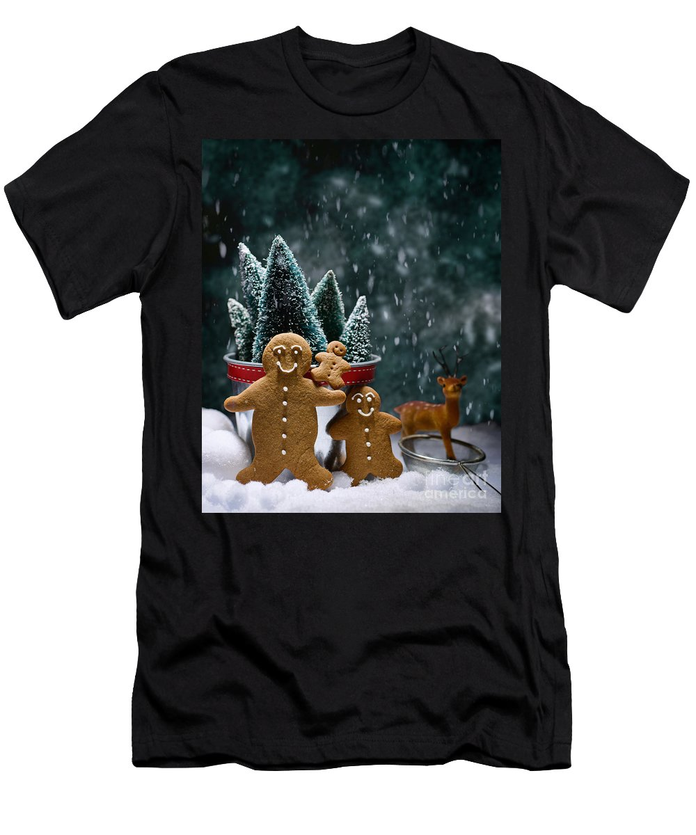 Low Key Men's T-Shirt (Athletic Fit) featuring the photograph Gingerbread Family In Snow by Amanda Elwell