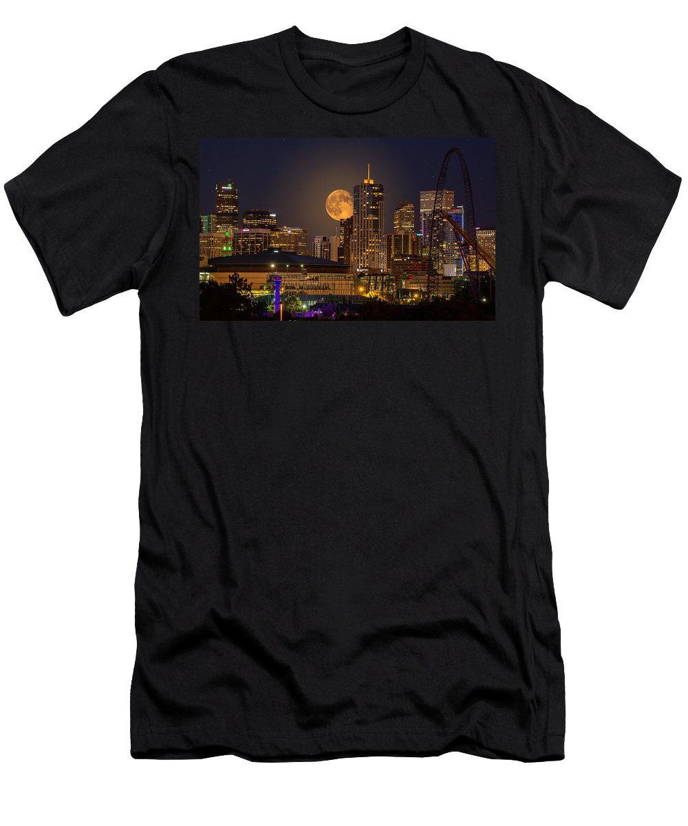 Denver Men's T-Shirt (Athletic Fit) featuring the photograph Golden Supermoon by Bob Keller