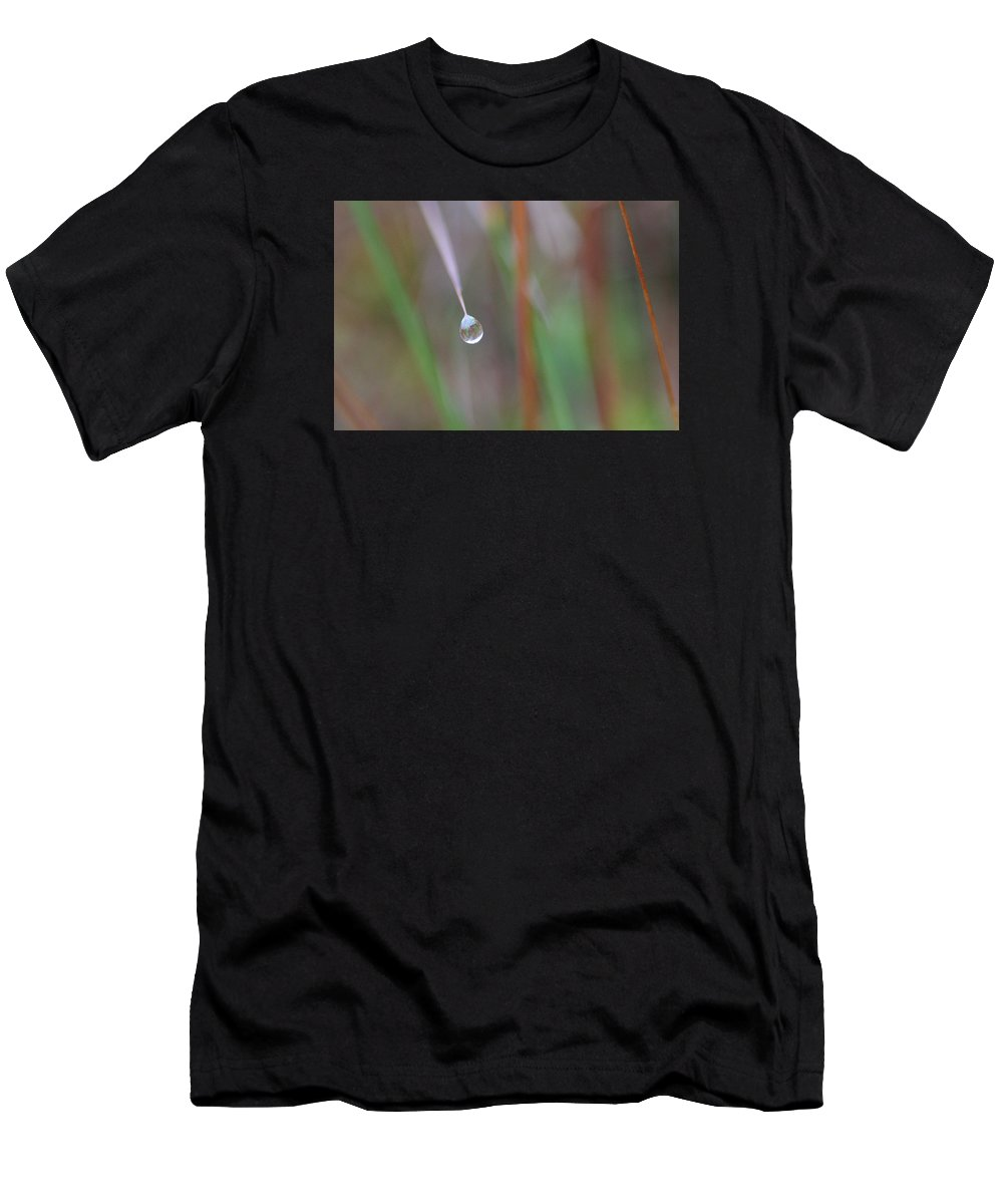 Alvinge Men's T-Shirt (Athletic Fit) featuring the photograph Grass Droplet by Dreamland Media