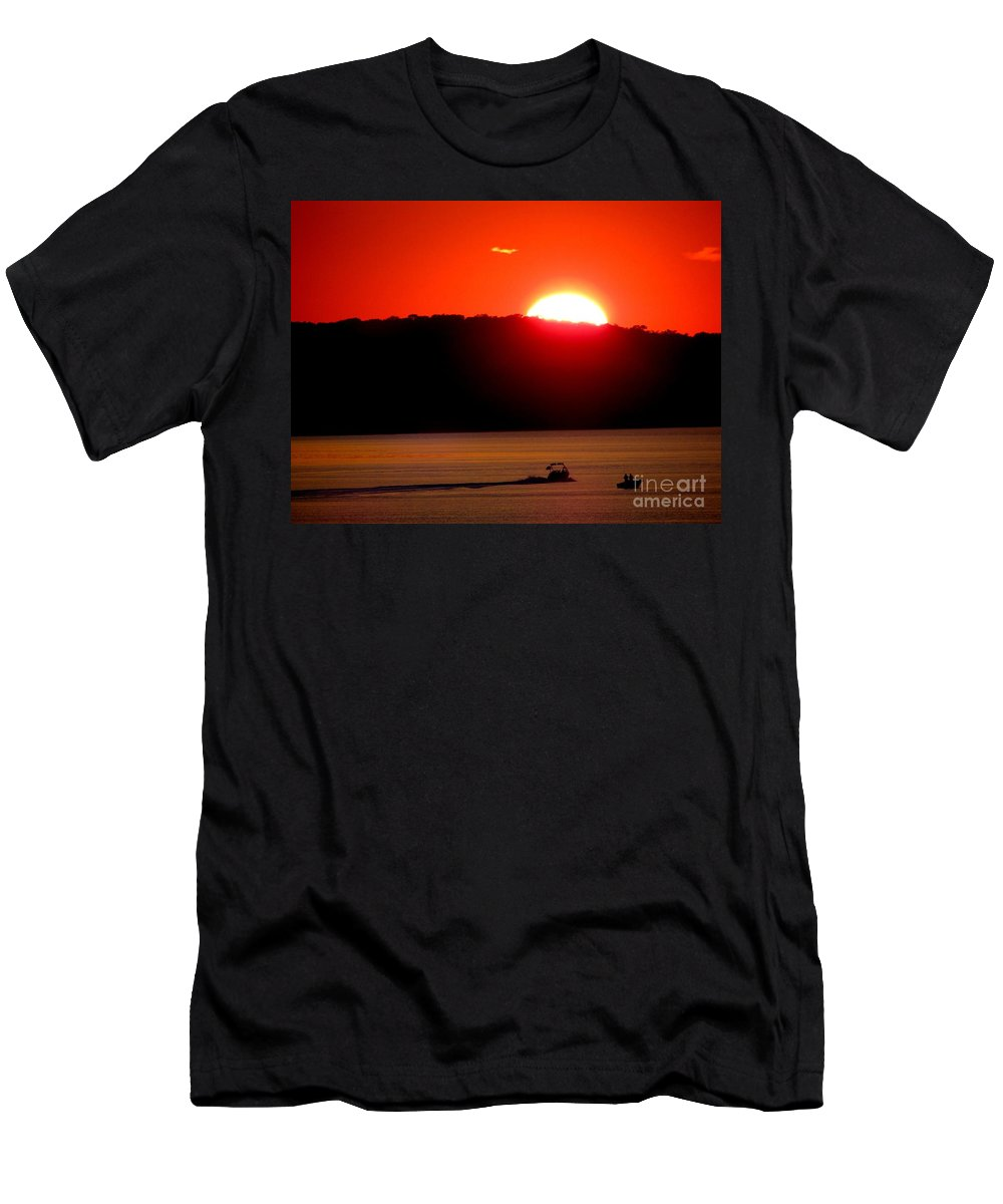 Sunset Men's T-Shirt (Athletic Fit) featuring the photograph Hamptons Sunset by Ed Weidman