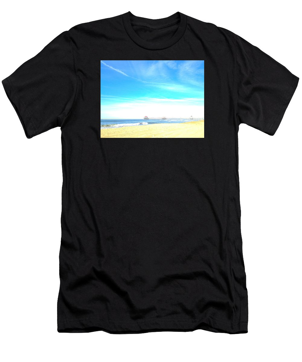 Huntington Beach Pier Men's T-Shirt (Athletic Fit) featuring the photograph Hb Pier 7 by Margie Amberge