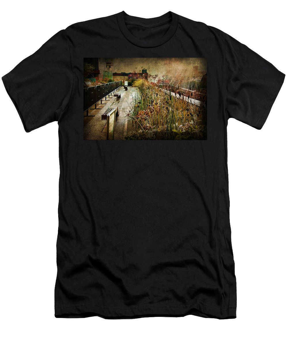 Evie Men's T-Shirt (Athletic Fit) featuring the photograph High Line Park In The Rain New York by Evie Carrier