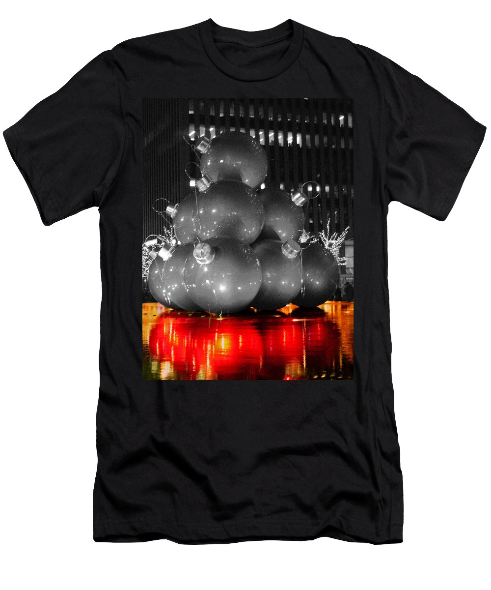 Christmas Men's T-Shirt (Athletic Fit) featuring the photograph Holiday Reflection by Pablo Rosales