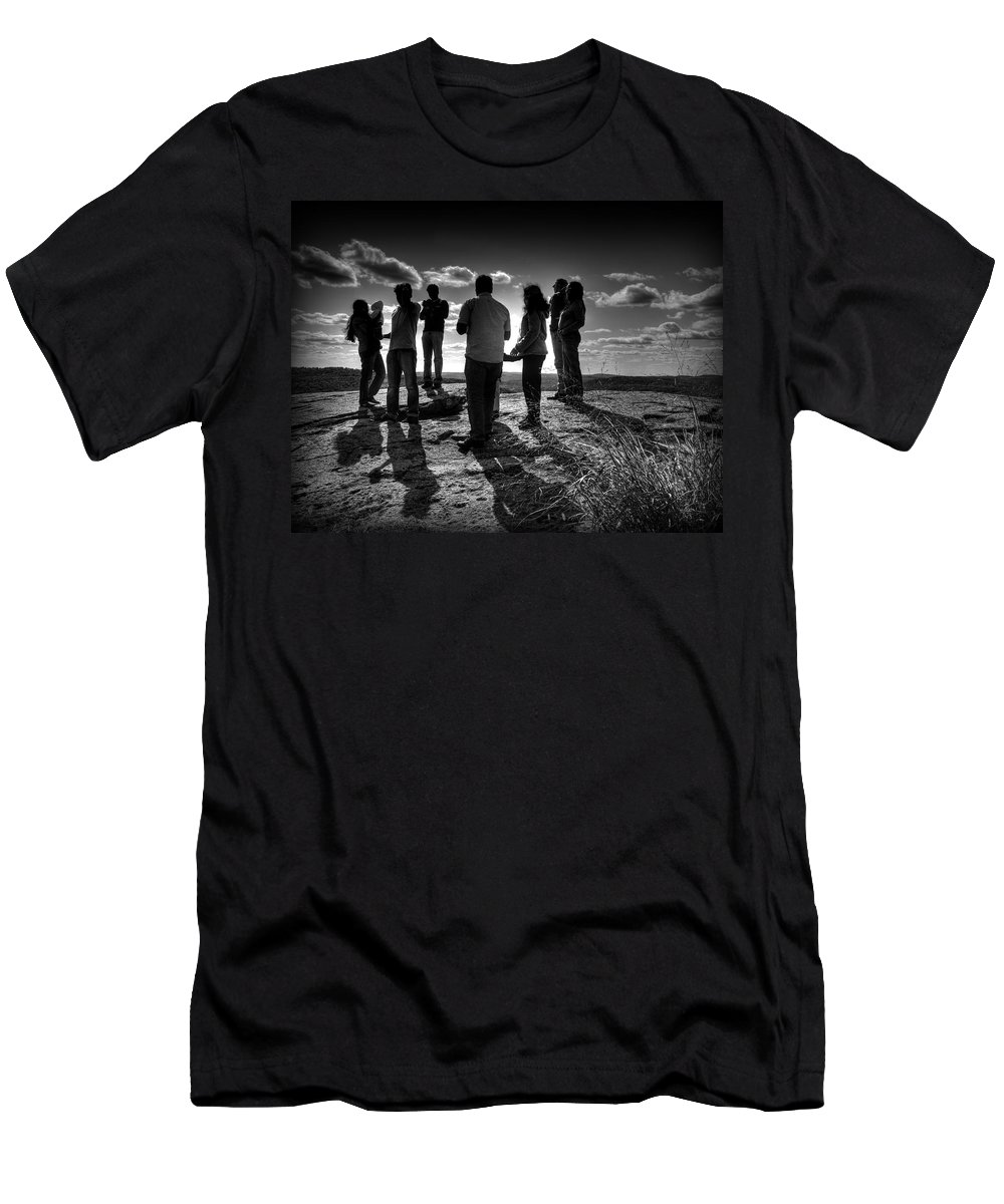 New York Men's T-Shirt (Athletic Fit) featuring the photograph Hurry Sundown by Jeff Watts