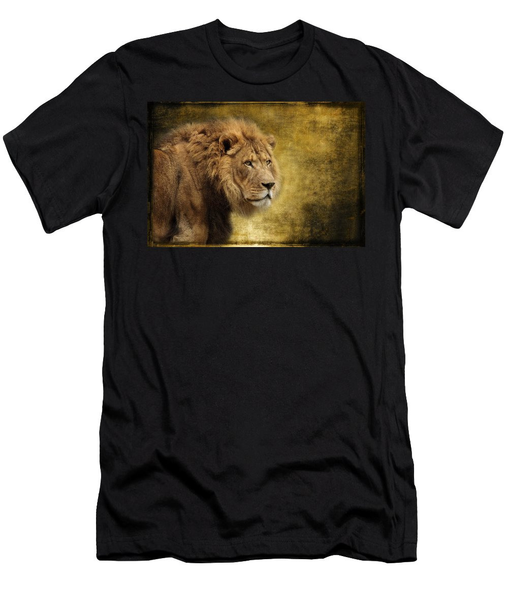 I Am The King Men's T-Shirt (Athletic Fit) featuring the photograph I Am The King by Wes and Dotty Weber
