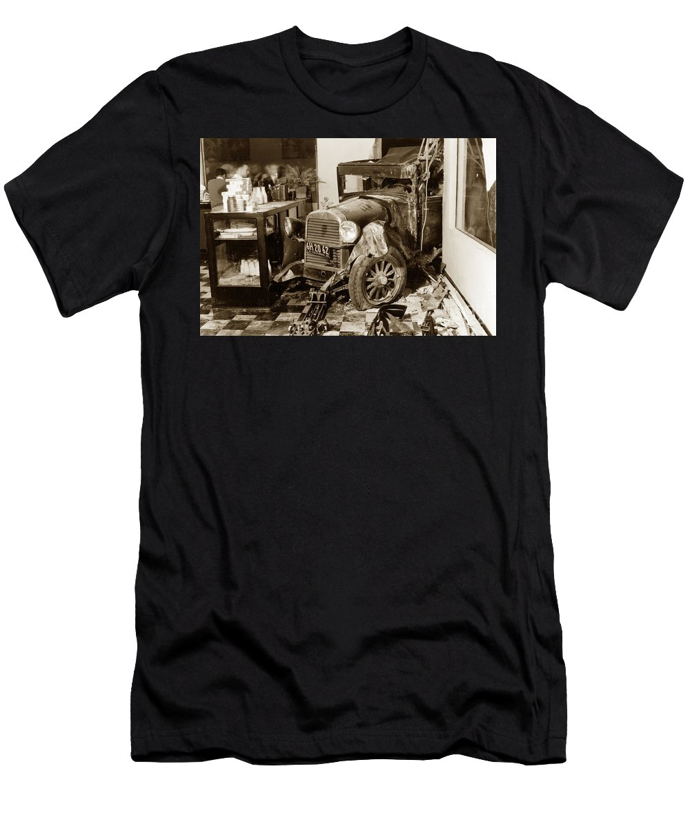 Carmel Dairy Men's T-Shirt (Athletic Fit) featuring the photograph in Carmel Dairy with a Essex Super Six that the driver lost cont by California Views Archives Mr Pat Hathaway Archives