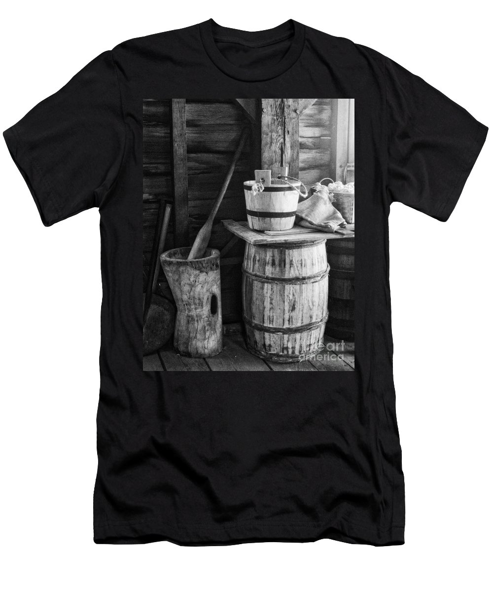 Bw Men's T-Shirt (Athletic Fit) featuring the photograph In The Barn by Claudia Kuhn
