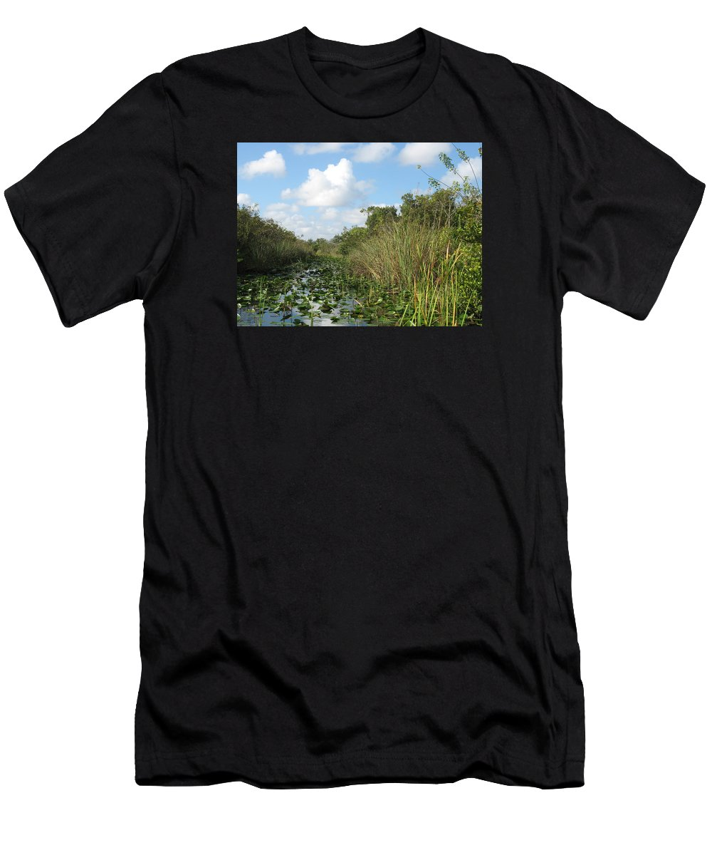 Everglades Men's T-Shirt (Athletic Fit) featuring the photograph In The Everglades by Christiane Schulze Art And Photography