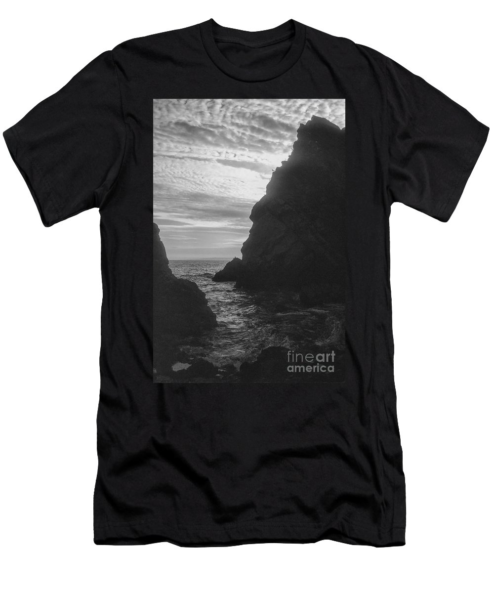 Lulworth Cove Dorsetshire England Water Waterscape Waterscapes Landscape Landscapes United Kingdom Great Britain Coast Coastline Shore Coast Shores Coasts Shoreline Shorelines Cliff Cliffs Rock Rocks Inlet Inlets Cloud Clouds Black And White Men's T-Shirt (Athletic Fit) featuring the photograph Inlet 2 by Bob Phillips