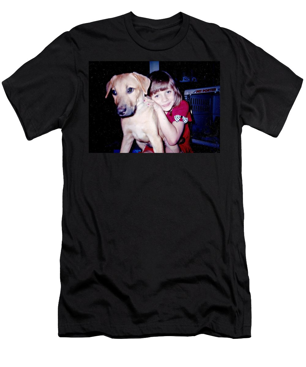Men's T-Shirt (Athletic Fit) featuring the photograph Jess And Idgy by Kelly Awad