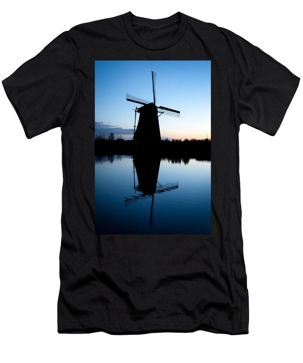 Kinderdijk Men's T-Shirt (Athletic Fit) featuring the photograph Kinderdijk Dawn by Dave Bowman